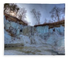 Minnehaha Falls Minneapolis Minnesota Winter Morning Fleece Blanket