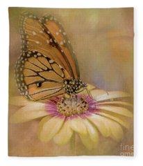 Monarch On A Daisy Mum Fleece Blanket