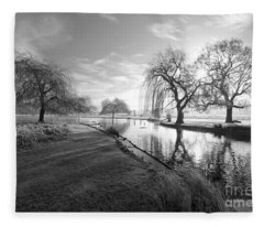 Mono Bushy Park Uk Fleece Blanket