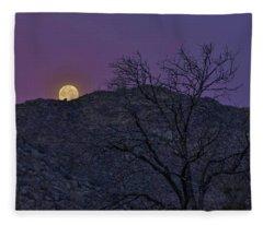 Moon Set At Sunrise Fleece Blanket