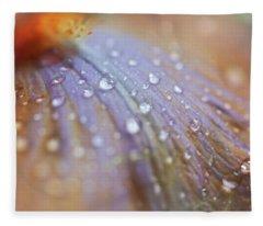 Morning Diamonds. Iris Macro Fleece Blanket
