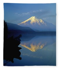 1m4907-v-mt. St. Helens Reflect V  Fleece Blanket