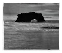 Natural Bridges State Beach Water B/w Fleece Blanket