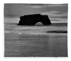 Natural Bridges State Beach Water B/w Fleece Blanket