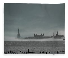 New York Harbor With Fog Fleece Blanket