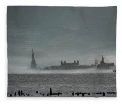 New York Harbor With Fog Fleece Blanket