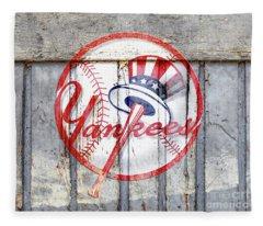 New York Yankees Top Hat Rustic 2 Fleece Blanket