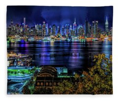 Night Beauty Fleece Blanket
