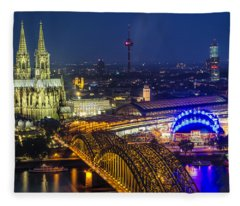 Night Falls Upon Cologne 2 Fleece Blanket