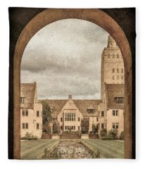 Oxford, England - Nuffield College Fleece Blanket
