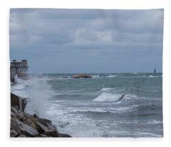 Ocean Waves At Minot Beach Fleece Blanket