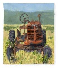 Offset High Crop Fleece Blanket