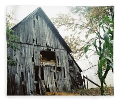 Old Barn In The Morning Mist Fleece Blanket