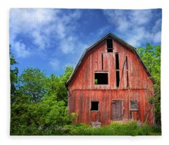 Old Barn Near Cayuga Lake Fleece Blanket