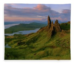 Old Man Of Storr Fleece Blanket