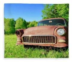 Old Rusty Car Fleece Blanket