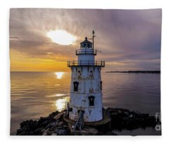 Old Saybrook Outer Light Fleece Blanket