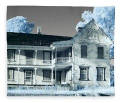 Old Shull House In 642 Fleece Blanket