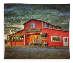 Old Town Mall Bandon Fleece Blanket