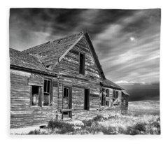 Old Wyoming Farm House Fleece Blanket