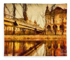 Oradea Chris River Fleece Blanket