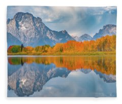 Oxbow's Autumn Fleece Blanket