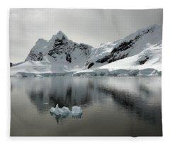 Paradise Bay Fleece Blanket