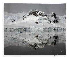Paradise Harbor Fleece Blanket