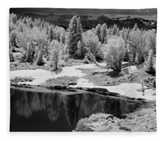 Peaceful Ir Fleece Blanket
