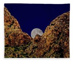 Peak Full Moon H03 Fleece Blanket