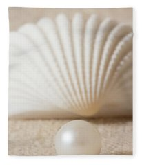 Pearl And Shell Fleece Blanket