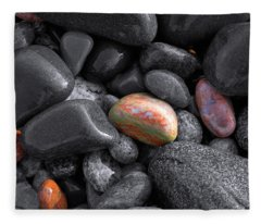 Pebble Jewels   Fleece Blanket