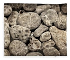 Petoskey Stones Vl Fleece Blanket