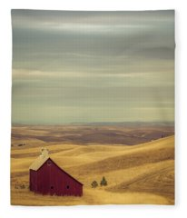 Pillbox Barn Fleece Blanket