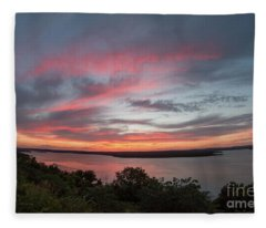 Pink Skies And Clouds At Sunset Over Lake Travis In Austin Texas Fleece Blanket