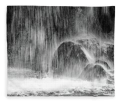Plitvice Waterfall Black And White Closeup - Plitivice Lakes National Park, Croatia Fleece Blanket