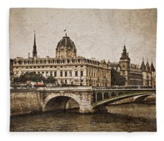Paris, France - Pont Notre Dame Oldstyle Fleece Blanket