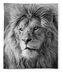 Portrait Of A Lion - Black And White Fleece Blanket