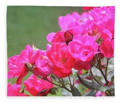Pretty Pink Roses Fleece Blanket