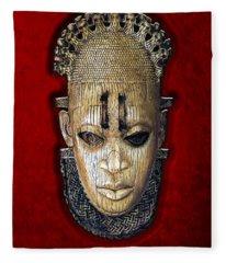 Queen Mother Idia - Ivory Hip Pendant Fleece Blanket