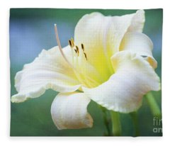 Queen Of The Garden Fleece Blanket