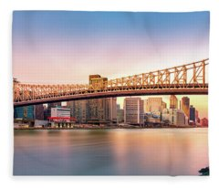 Queensboro Bridge At Sunset Fleece Blanket
