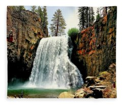 Rainbow Falls 8 Fleece Blanket