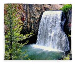 Rainbow Falls 9 Fleece Blanket