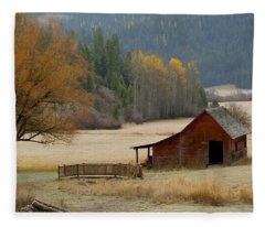 Red Barn In Autumn Fleece Blanket