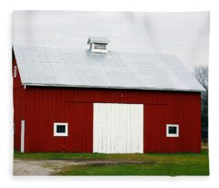 Red Barn- Photography By Linda Woods Fleece Blanket