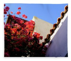 Red Flowers And Architecture In Saint Augustine Florida Fleece Blanket