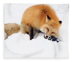 Red Fox To Base Fleece Blanket