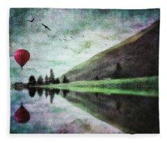 Red Hot-air Balloon Fleece Blanket