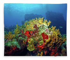 Reef Scene With Divers Bubbles Fleece Blanket